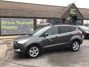2015 Ford Escape SE / 4x4 / back up camera / bluetooth / fog lights