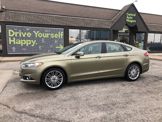 2013 Ford Fusion/LEATHER/SUNROOF/NAVI/HEATED SEATS/ SE Sedan