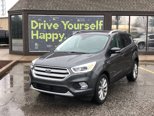 2018 Ford Escape Titanium / SUNROOF / LEATHER / NAVIGATION SUV