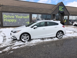 2018 Chevrolet Cruze Premier / LEATHER / HEATED SEATS / BACK UP CAMERA