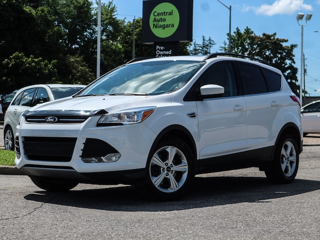 2015 Ford Escape SE / VOICE ACTIVATED NAVIGATION / POWER PANORAMIC SUV