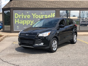 2016 Ford Escape SE /HEATED-SEATS/ BACK UP CAMERA / REMOTE START /