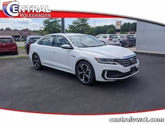 New 2020 Volkswagen Passat 2.0T R-Line Sedan 1VWMA7A34LC015634 for Sale in Plainfield, CT at Central Auto Group