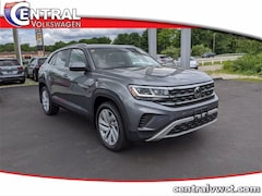 New 2020 Volkswagen Atlas Cross Sport 3.6L V6 SE w/Technology SUV 1V26E2CAXLC211266 for Sale in Plainfield, CT at Central Auto Group