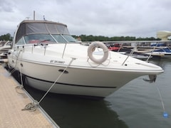 2005 CRUISERS YACHTS 370 Express  *SANS TAXES* Négociable  Eau douce/ Fresh water