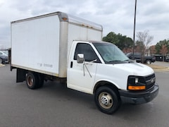 2004 Chevrolet Express Van G3500 Base Cab/Chassis