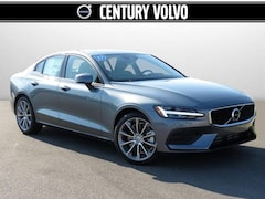 New 2019 Volvo S60 T6 Momentum Sedan in Huntsville, AL