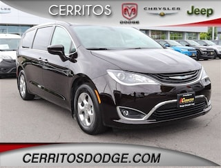 2019 Chrysler Pacifica Hybrid TOURING PLUS Passenger Van