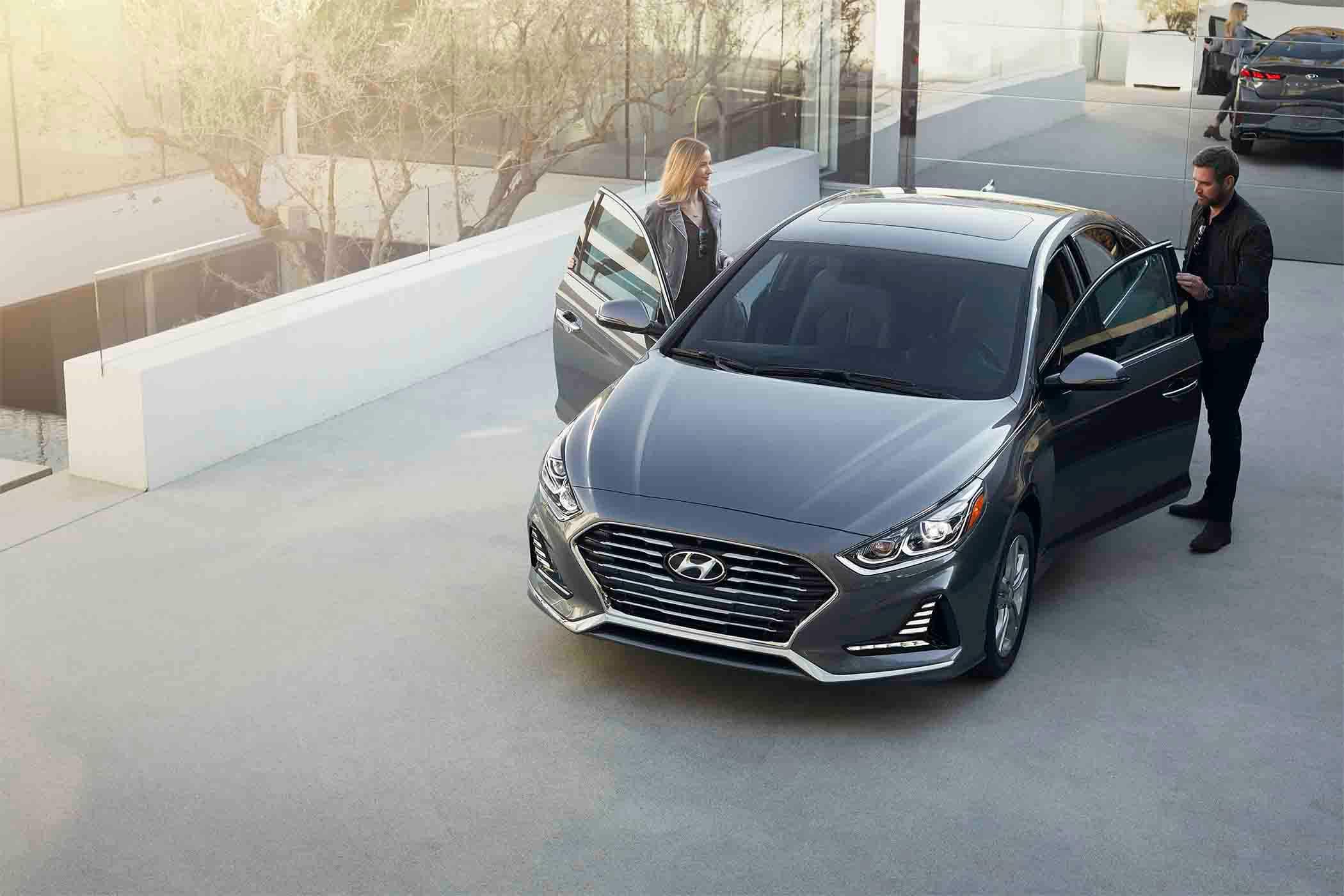 2018 Hyundai Sonata Vs Ford Fusion: Interior Space