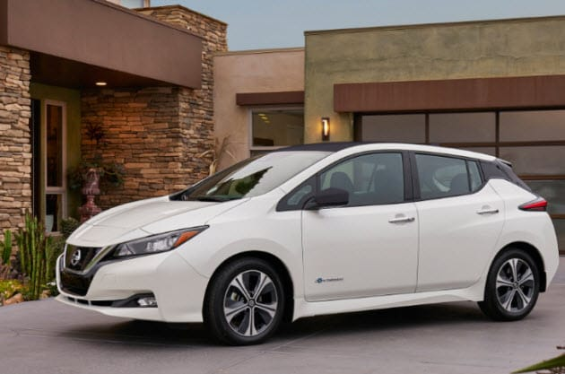 White 2018 Nissan LEAF hatchback