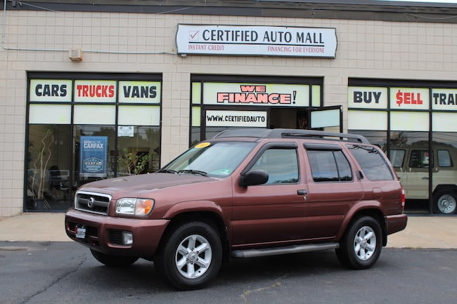2003 Nissan Pathfinder SE SUV