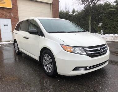 2014 Honda Odyssey SE * 8 PASSAGERS * PNEU ÉTÉ ET FREIN NEUF * Mini-Fourgonnette