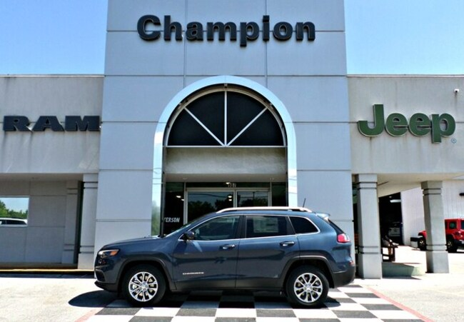 New 2019 Jeep Cherokee LATITUDE PLUS FWD Sport Utility for sale in Athens, AL