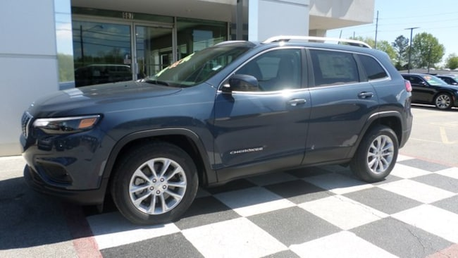 New 2019 Jeep Cherokee LATITUDE FWD Sport Utility for sale in Athens, AL