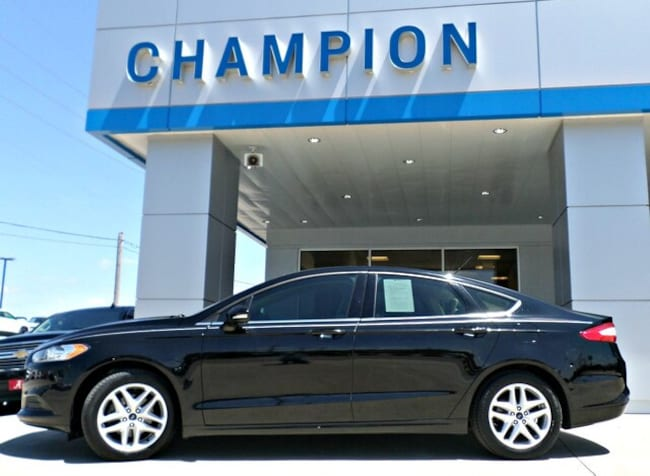 Used 2016 Ford Fusion SE Sedan for sale in Athens, AL