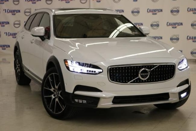 2017 Volvo V90 Cross Country T6 Wagon