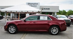 New Vehicles for sale 2019 Chrysler 300 TOURING L Sedan in Decatur, AL