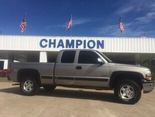 2001 Chevrolet Silverado 1500 Ext Cab 143.5 WB 4WD LS Extended Cab Pickup