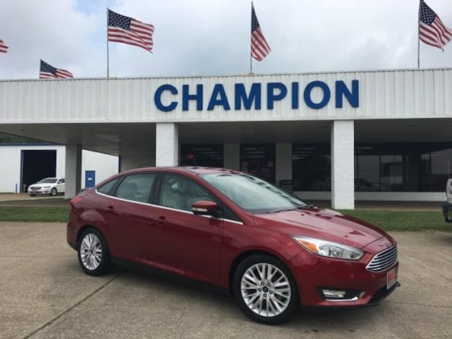 2017 Ford Focus Titanium Sedan Car