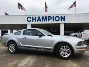 2006 Ford Mustang 2dr Cpe Deluxe Car