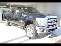 2016 Ford F-250 Super Duty Lariat 4x4 Lariat  Crew Cab 6.8 ft. SB Pickup