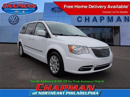 2016 Chrysler Town & Country Touring Minivan/Van