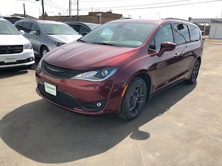 New 2019 Chrysler Pacifica TOURING L Passenger Van For Sale Dickinson ND