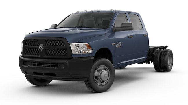 New 2018 Ram 3500 TRADESMAN CREW CAB CHASSIS 4X4 172.4 WB Crew Cab For Sale/Lease Dickinson, ND