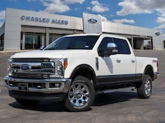 2017 Ford F-250 Lariat CREW CAB SHORT BED TRUCK
