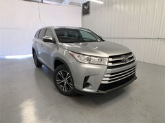 New 2019 Toyota Highlander LE I4 SUV in Austin, TX