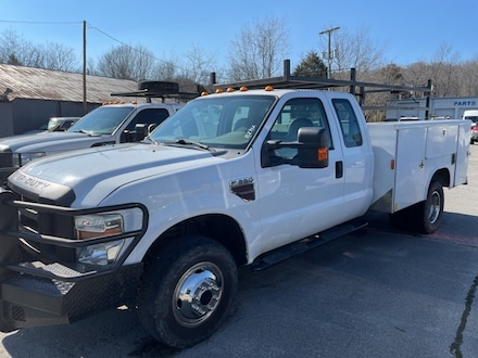 2010 Ford F-350 Chassis XL Truck Super Cab