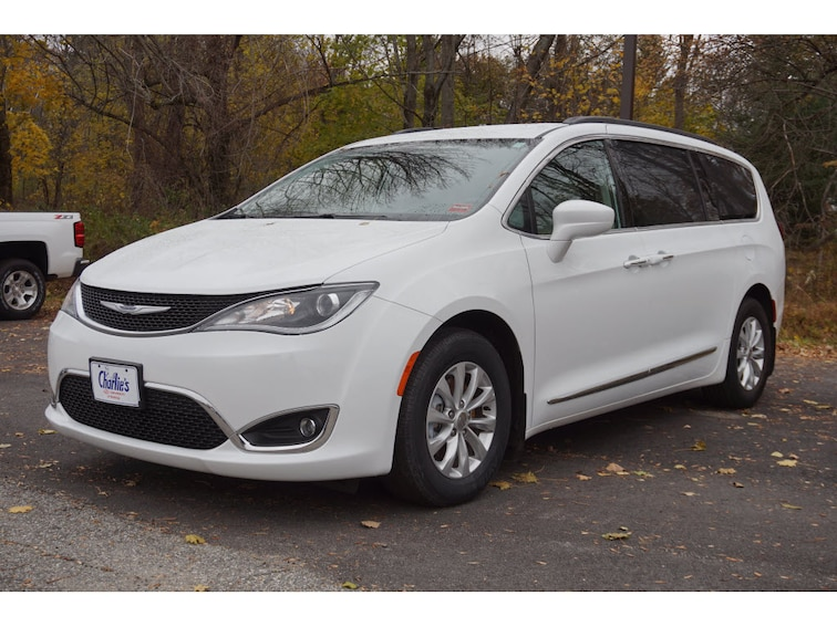 Used 2017 Chrysler Pacifica For Sale Augusta Me Vin