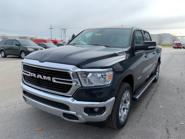 New 2019 Ram 1500 BIG HORN / LONE STAR CREW CAB 4X4 5'7 BOX Crew Cab Near Toledo Ohio