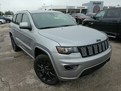 New 2019 Jeep Grand Cherokee ALTITUDE 4X4 Sport Utility Maumee Ohio