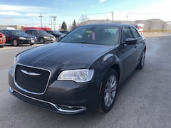 New 2019 Chrysler 300 TOURING L AWD Sedan Maumee Ohio