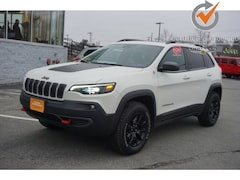 Certified used 2019 Jeep Cherokee Trailhawk 4x4 SUV 1C4PJMBX9KD289453 for Sale in Augusta, ME