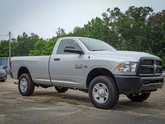 2014 Ram Chassis 3500 Tradesman 4x4 Tradesman  Crew Cab 172.4 in. WB Chassis
