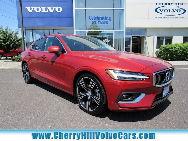 2019 Volvo S60 T5 FWD INSCRIPTION w/ NAV, BLIS, CAMERA & LANE AID Sedan 19-6020