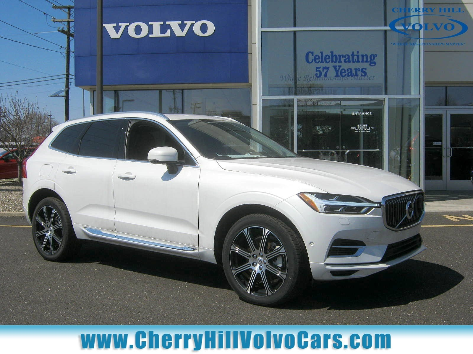 2018 Volvo XC60 Hybrid T8 Inscription SUV