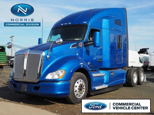 2016 Kenworth T680 Sleeper Cab Tractor