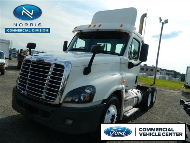 2012 Freightliner Cascadia Tractor