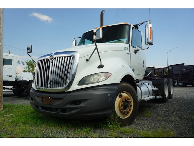 2011 International 7600 Maxforce DRW Tractor
