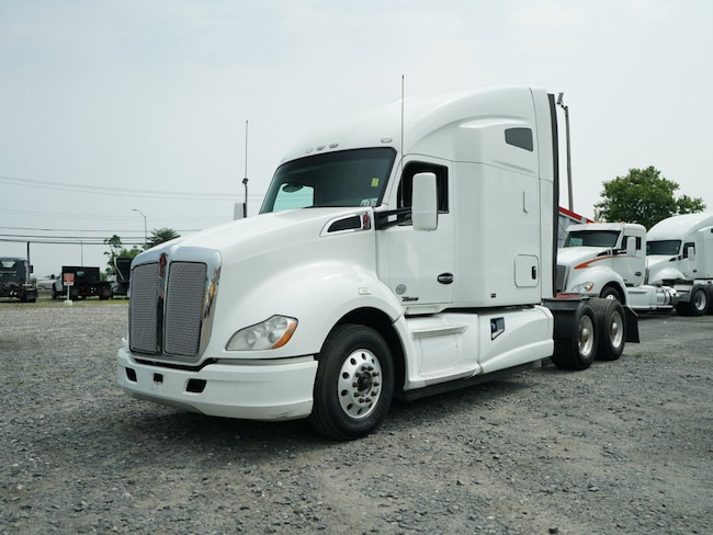 2014 Kenworth T680 Sleeper Cab Paccar Cab & Chassis