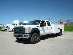 2014 Ford F-450 Chassis Truck Crew Cab