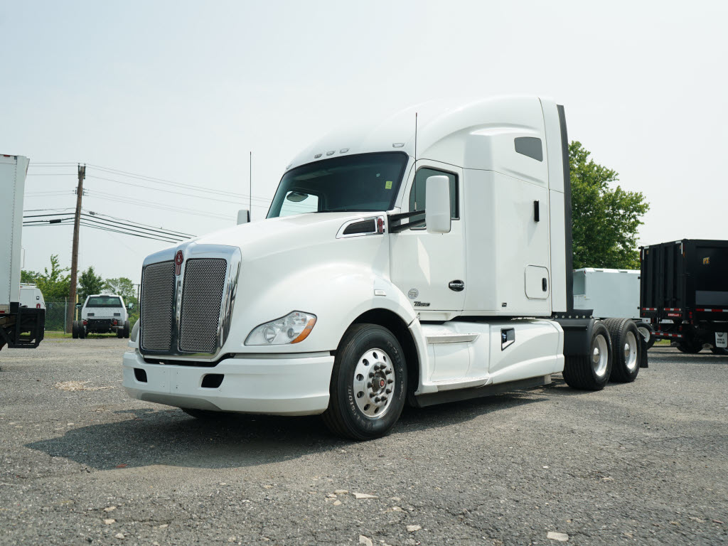 2014 Kenworth T680 Paccar Cab & Chassis