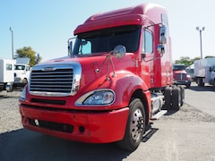 2005 Freightliner Red Sleeper Cab & Chassis