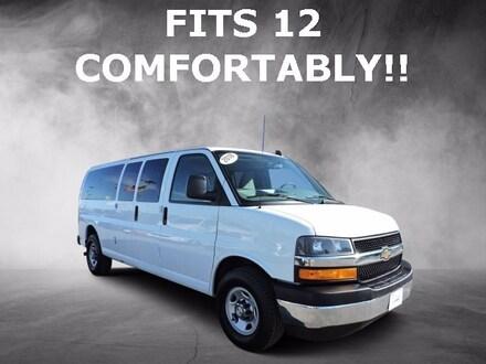 2018 Chevrolet Express Passenger LT Full-size Passenger Van
