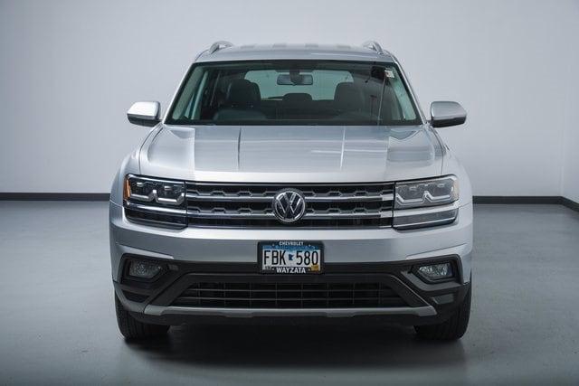 Used 2018 Volkswagen Atlas SE with VIN 1V2CR2CA6JC568531 for sale in Wayzata, Minnesota