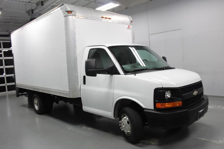 2013 Chevrolet Express Cutaway Truck