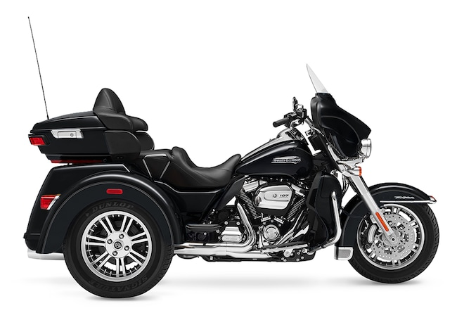 New 2017 Harley-Davidson Tri Glide Ultra FLHTCUTG Trike For Sale near Chicago, IL